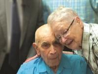В Америке 101-летний муж покаялся после 24 лет молитв жены